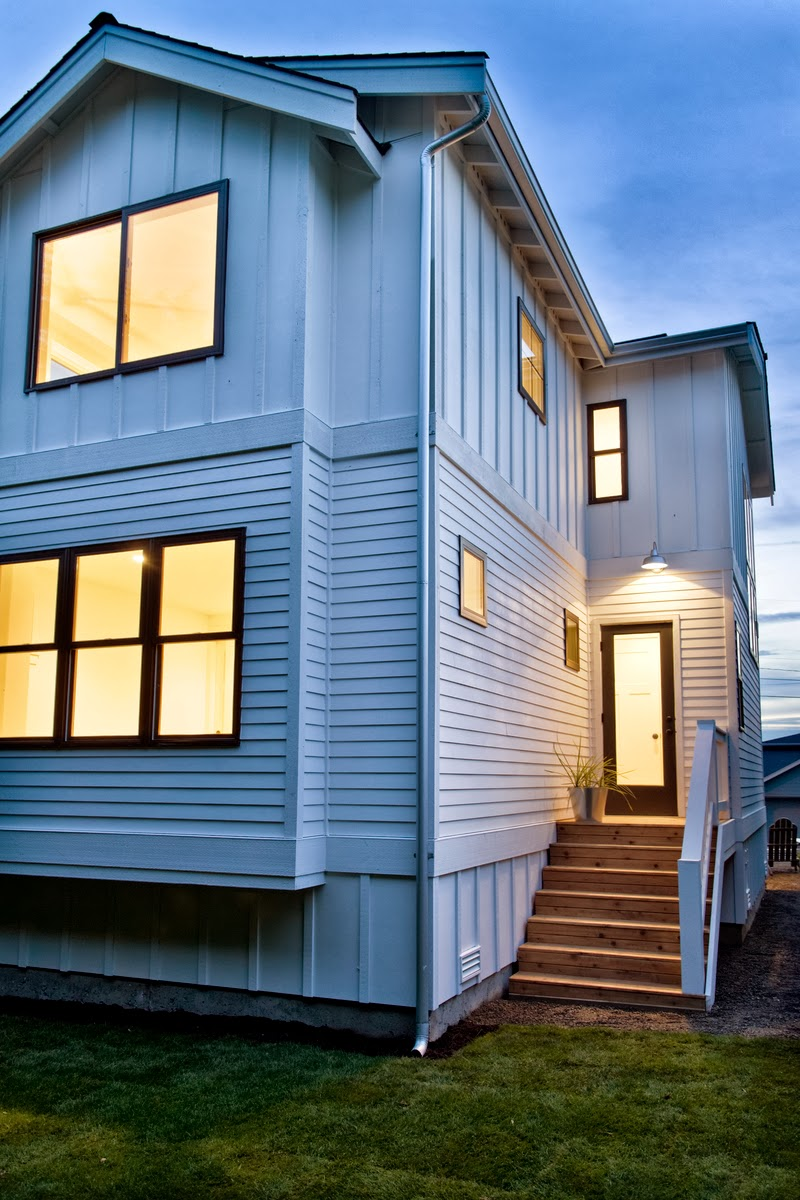 The Modern Farmhouse: Modern Cottage: Farmhouse Modern