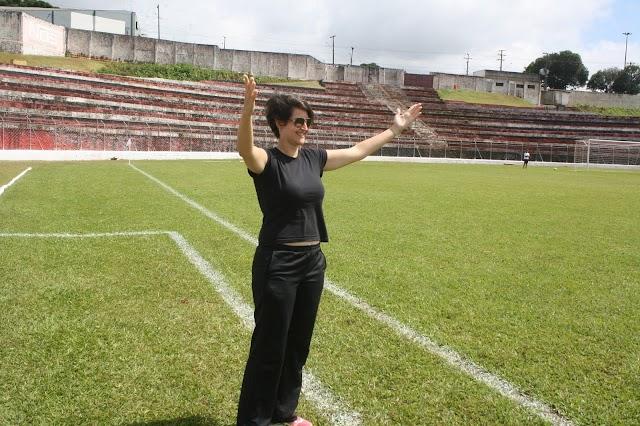Ela comanda os marmanjos e se destaca nos Jogos Abertos do Paraná
