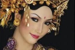 Mudahnya Mengikuti Cara Merias Pengantin Bali