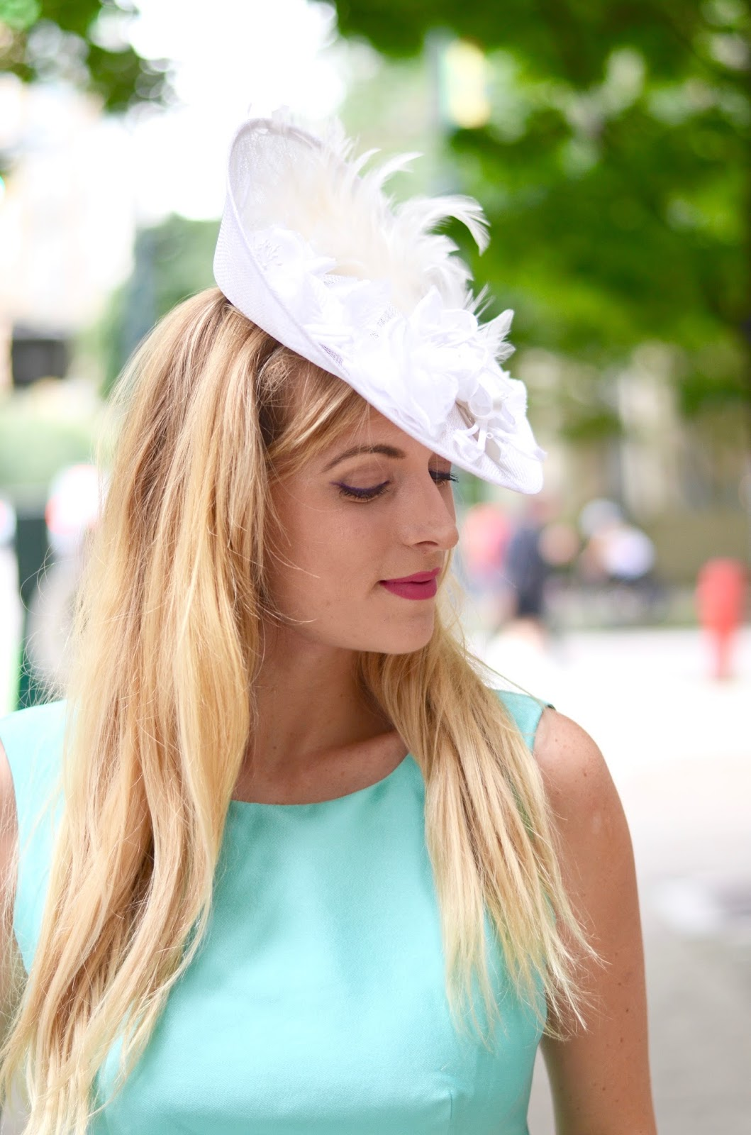 how to style a fascinator