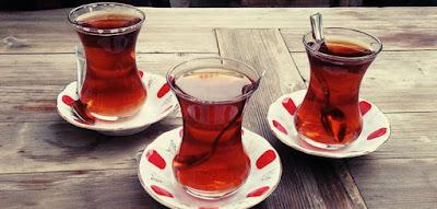 Çay bardağı neden ince bellidir?, Çay bardağı şekli, Çay bardağı neye benzer, çay bardağının laleyle benzerliği, çay bardağı ve lale,