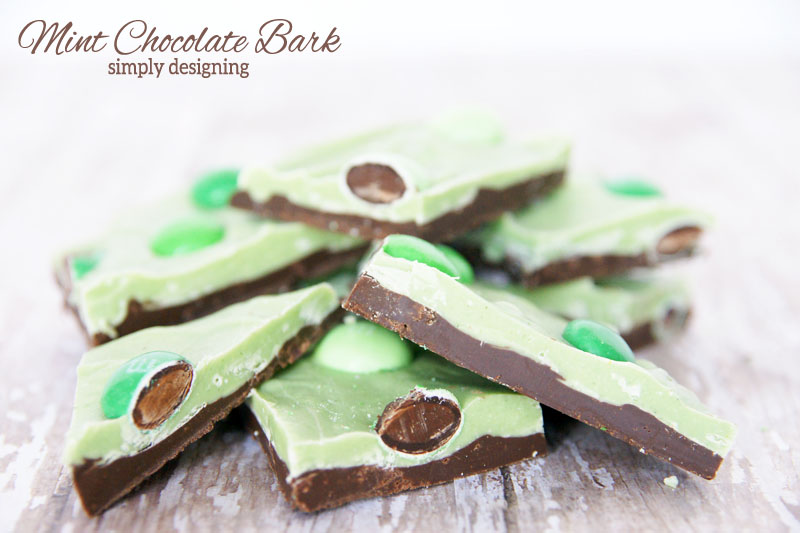 Mint Chocolate Bark | #stpatricksday #chocolate #recipe