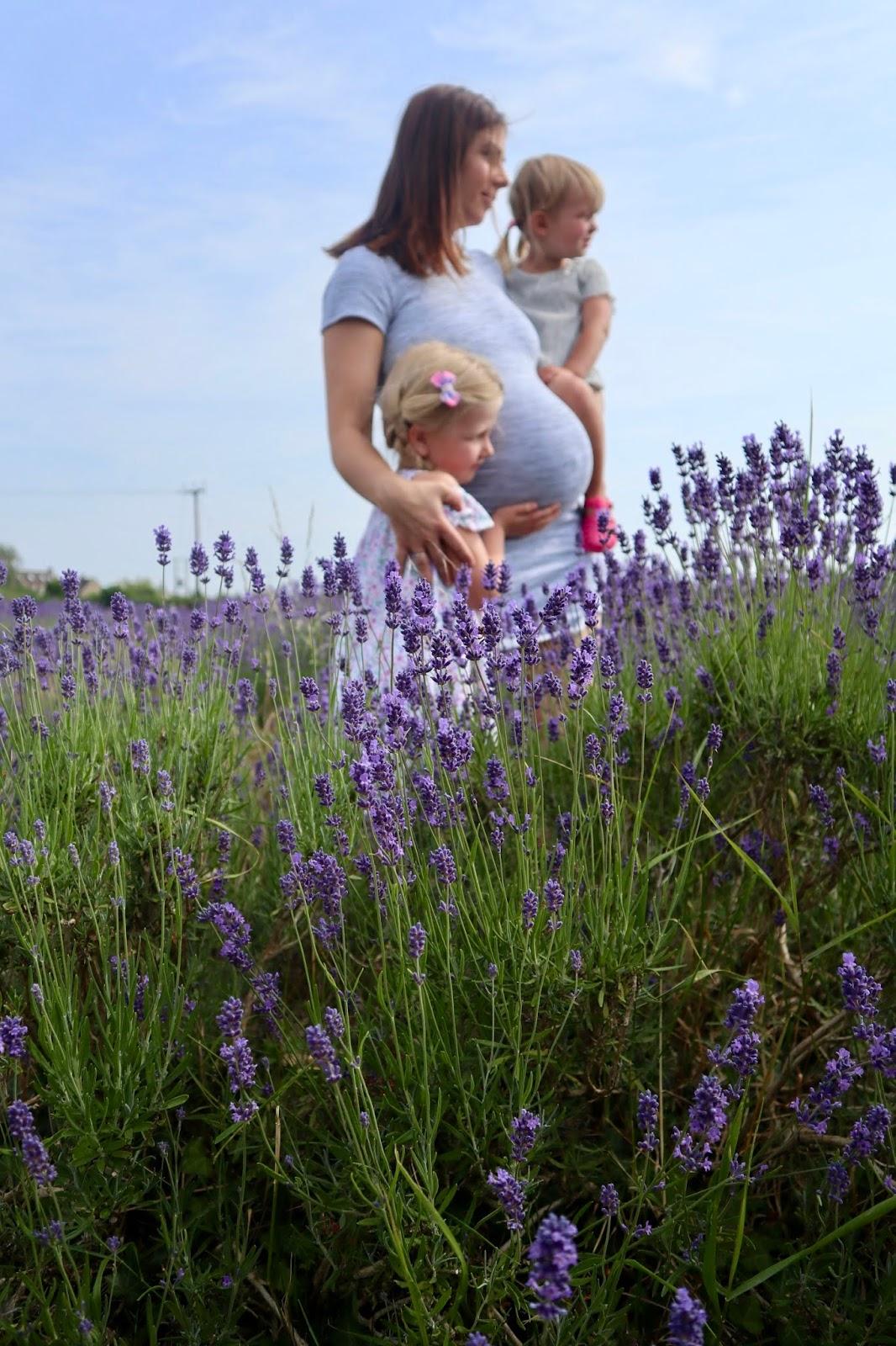 DIY maternity photos