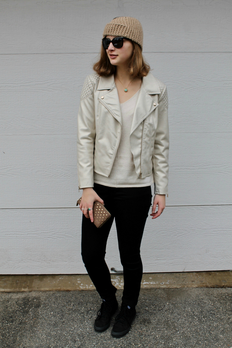 Knit ear warmer, cream leather jacket, cream sweater, black skinny jeans and Vans #ootd