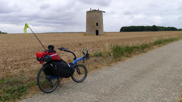 De Paris à la Rochelle en vélo couché, Moulin de St Généroux