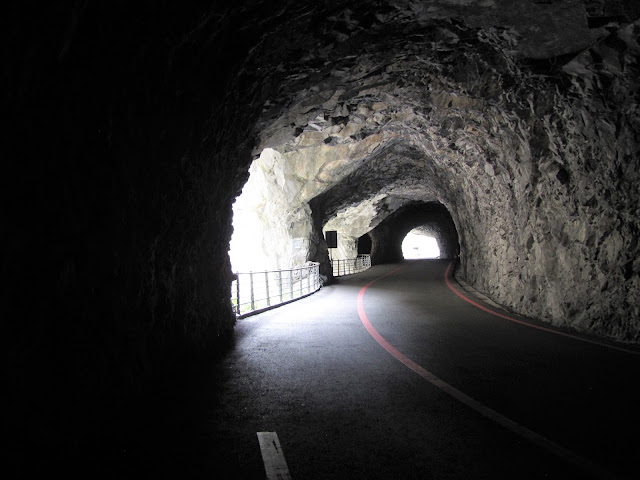 road tunnel swallow grotto taroko gorge taiwan
