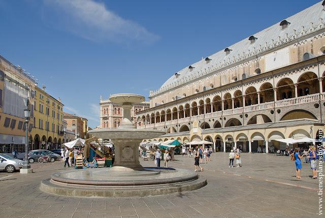 Piazza della Erbe plazas bonitas Italia Padua viaje