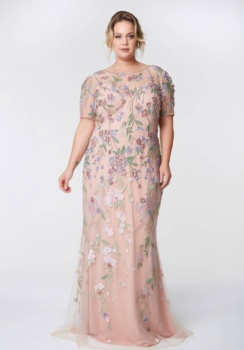 vestido rose plus size