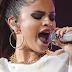 """Selena Gomez, ici au Zénith de Paris en 2013, fait partie des voix réunies sur """"Hands""""."""