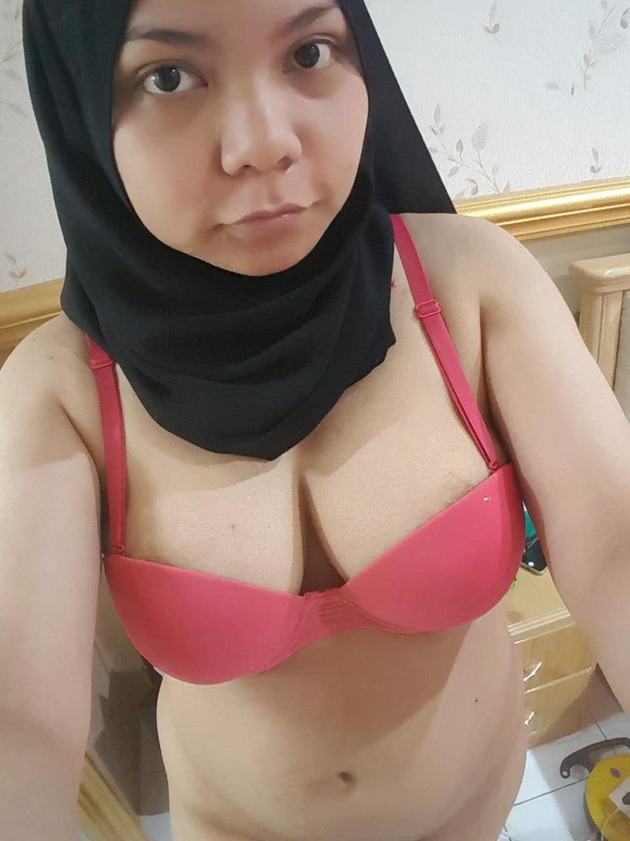 24 Foto Cewek Jilbab Bugil Mesum Nyepong Ngentot Ini ... Terbaru