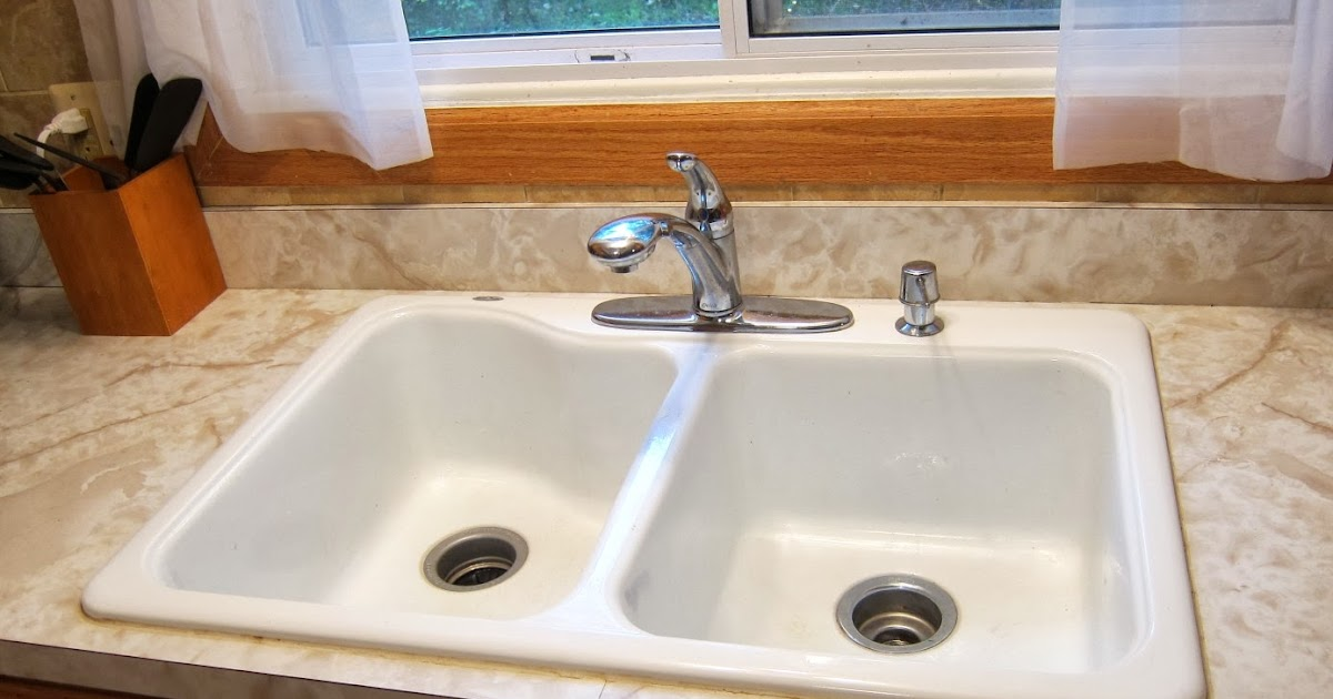 kitchen sink caulk fix caulk around a sink 2609