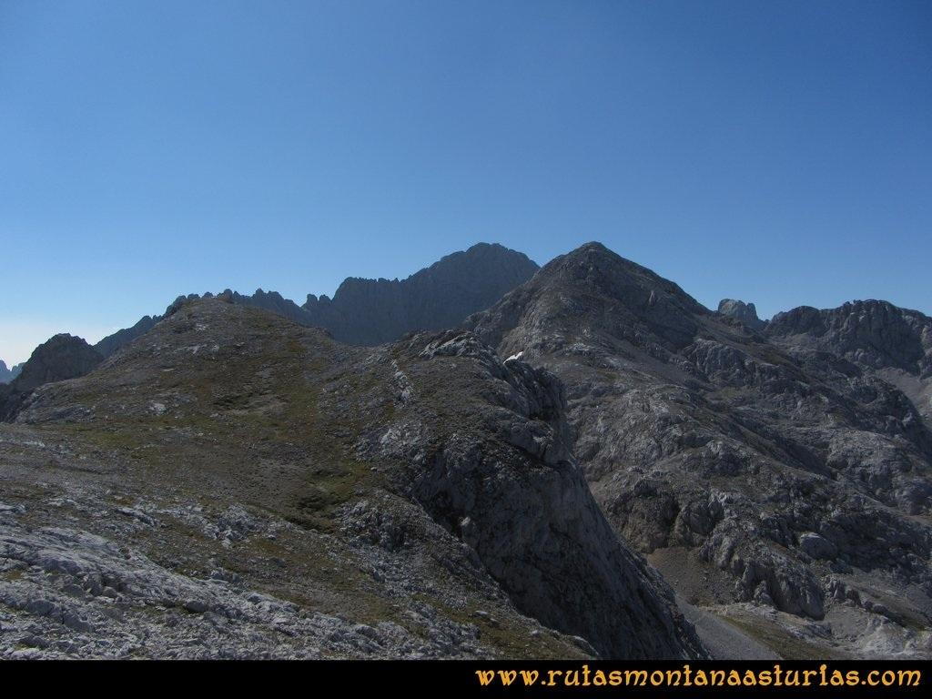 Ruta Ercina, Verdilluenga, Punta Gregoriana, Cabrones: Camino a la Torre de los Cabrones