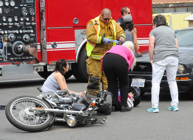 car motorcycle crash accident i and fifth street los banos merced county