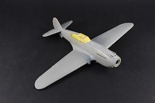 Masquage du  Curtiss P-40B Warhawk d'Airfix au 1/48.