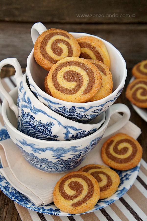 Biscotti a spirale vaniglia e cacao ricetta - vanilla and cocoa spiral cookies recipe