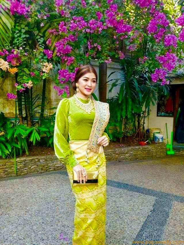 Eaindra Kyaw Zin Academy Award Fashion Style