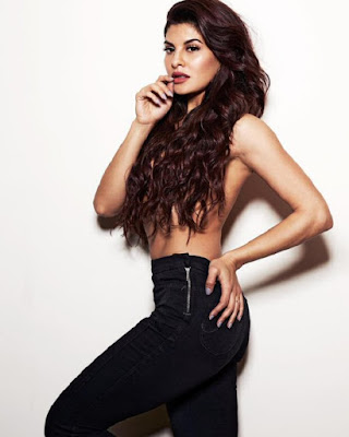 Jacqueline Bold Pose Pic