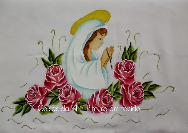 toalha de oxford pintada a mão para a igreja com tema de santinha e rosas