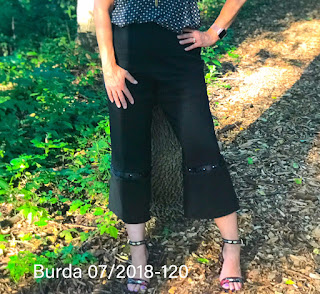 BurdaStyle Pants 07-2018-120 Linen Blend on Sharon Sews Blog