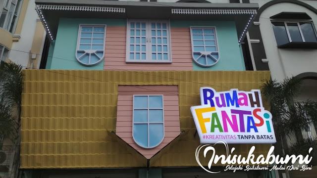 Desain bagian depan Rumah Fantasi Sukabumi