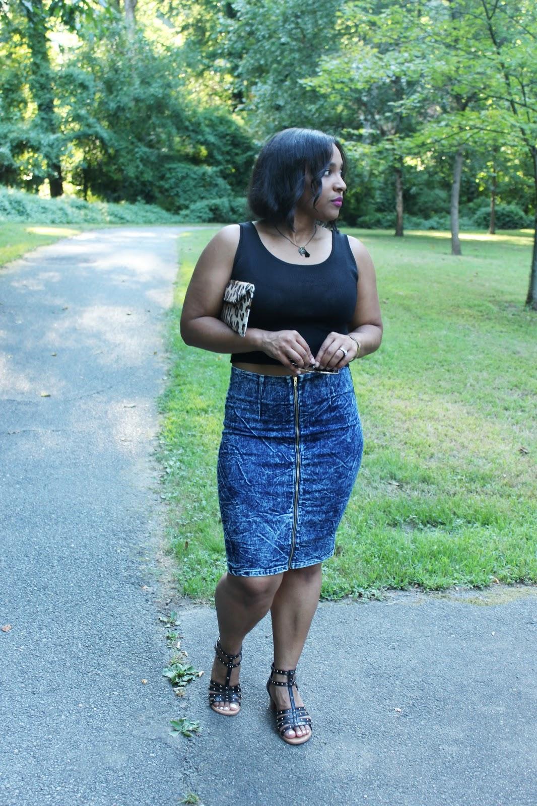 leopard, summer looks, denim skirt, crop tops