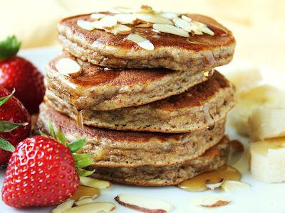 Paleo Banana Almond Pancakes