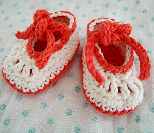 Knot Hard To Do Booties (0 to 3 months) - Free Pattern