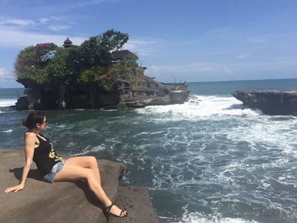 Objek Wisata Pura Tanah Lot Bali
