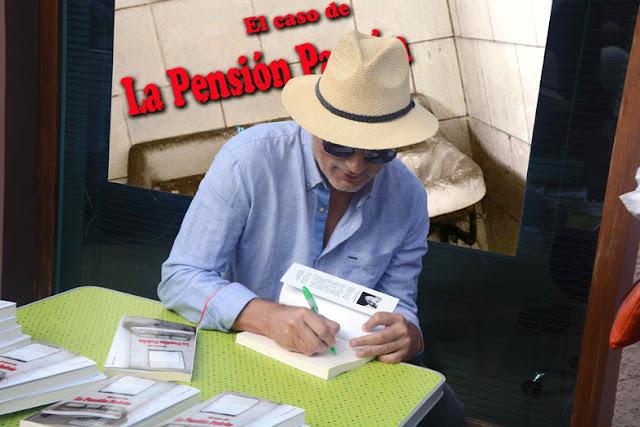 Escritor, Pensión Padrón, firmando