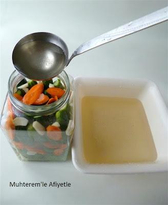 Salatalık turşusu turşu suyu
