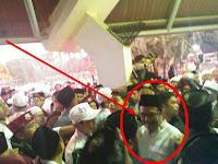 Wow..Botol-Botol Beterbangan Saat Djarot Keluar dari Acara Haul Soeharto