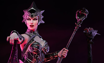 Evil Lyn della Sideshow Collectibles