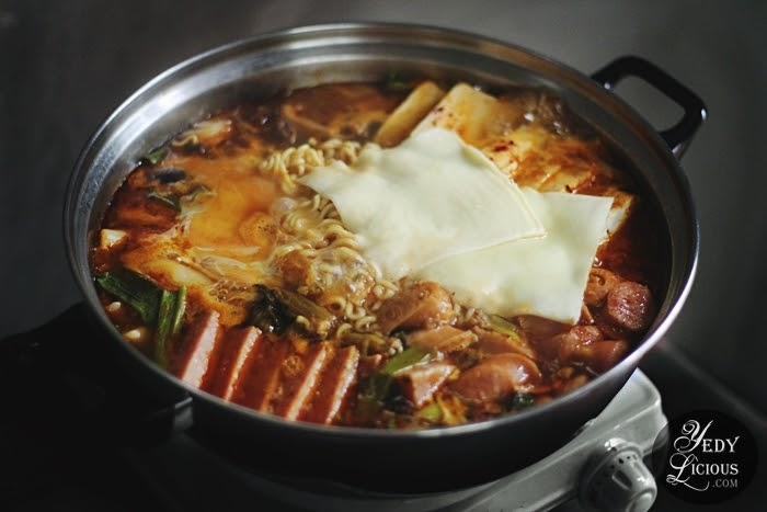 Yedylicious yedylicious manila food blog and easy asian recipes on budae jjigae korean army base stew is usually cooked table top and enjoyed while it is still on gentle simmer if however that set up is not forumfinder Choice Image