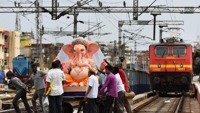 Ganesh Devotees, Ganesh, Central Railway, Dadar, Sawantwadi, special trains, Diva, Ganeshotsav, Indian Railways, india rail info, Indian Rail, indian railways train status, Railyatri, rail info,