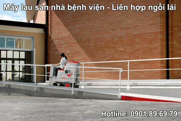 máy lau sàn nhà bệnh viện liên hợp ngồi lái