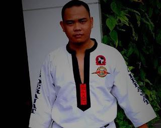 Yosua Thomas Pakai Baju Karate