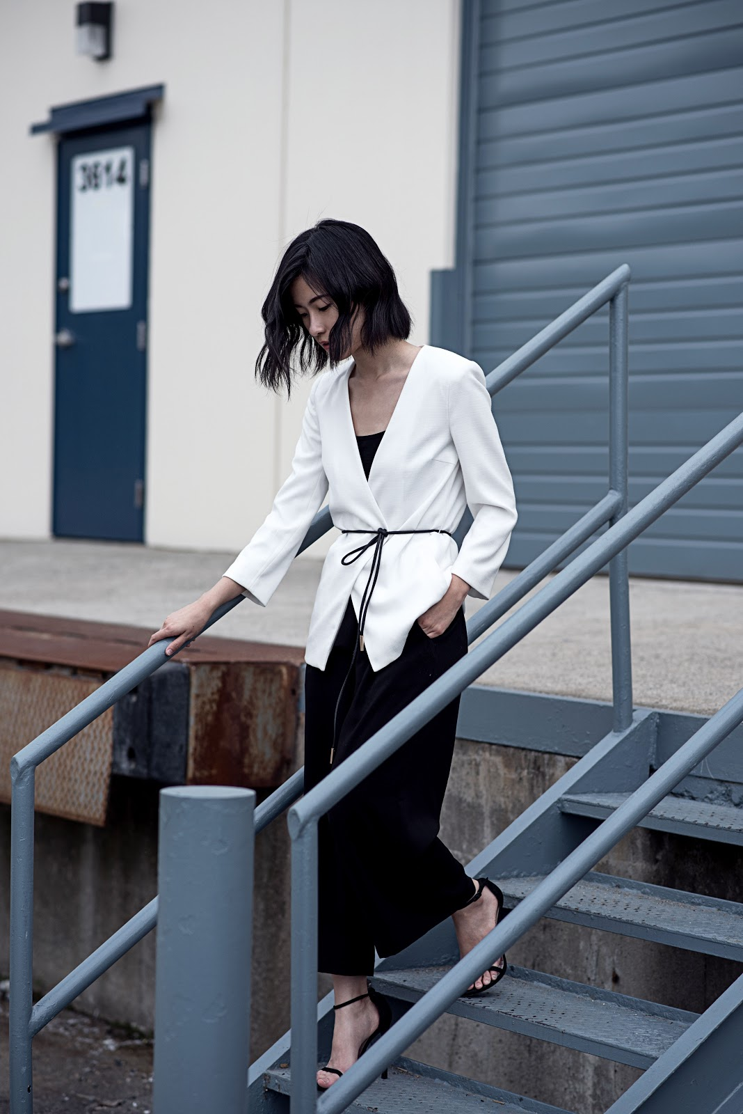 von vogue hm white blazer black culottes