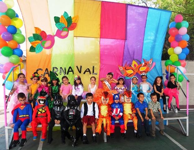 comparsas-carrozas-y-disfraces-adornan-el-carnaval-en-perija