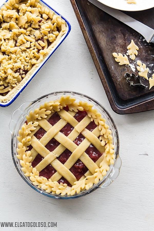 Tarta de masa quebrada de fresa y ruibarbo via www.elgatogoloso.com