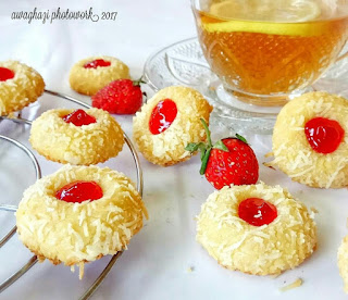 Ide Resep Kue Kering Strawberry Cheese Thumbprint Cookies