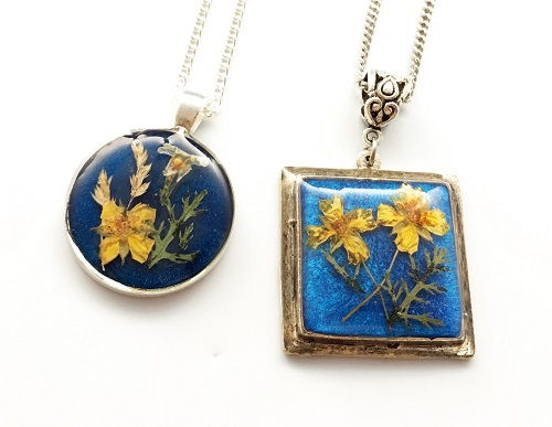 How to Make Pressed Flower Resin Jewelry Part 1 - The Beading Gem's