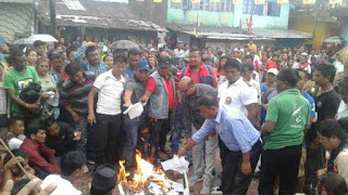 gorkha-activists-burn-gta-agreement