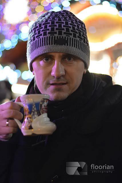 Jarmark Bożonarodzeniowy we Wrocławiu - grzane wino podawane w bucie