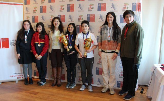 Ajedrecistas de Chiloé ganaron campeonato regional de Juegos Deportivos Escolares