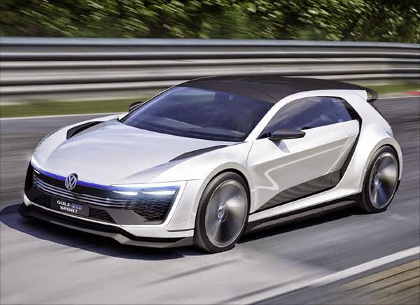 Volkswagen Premiere The Golf Gte Sport Plug In Hybrid Sports Car