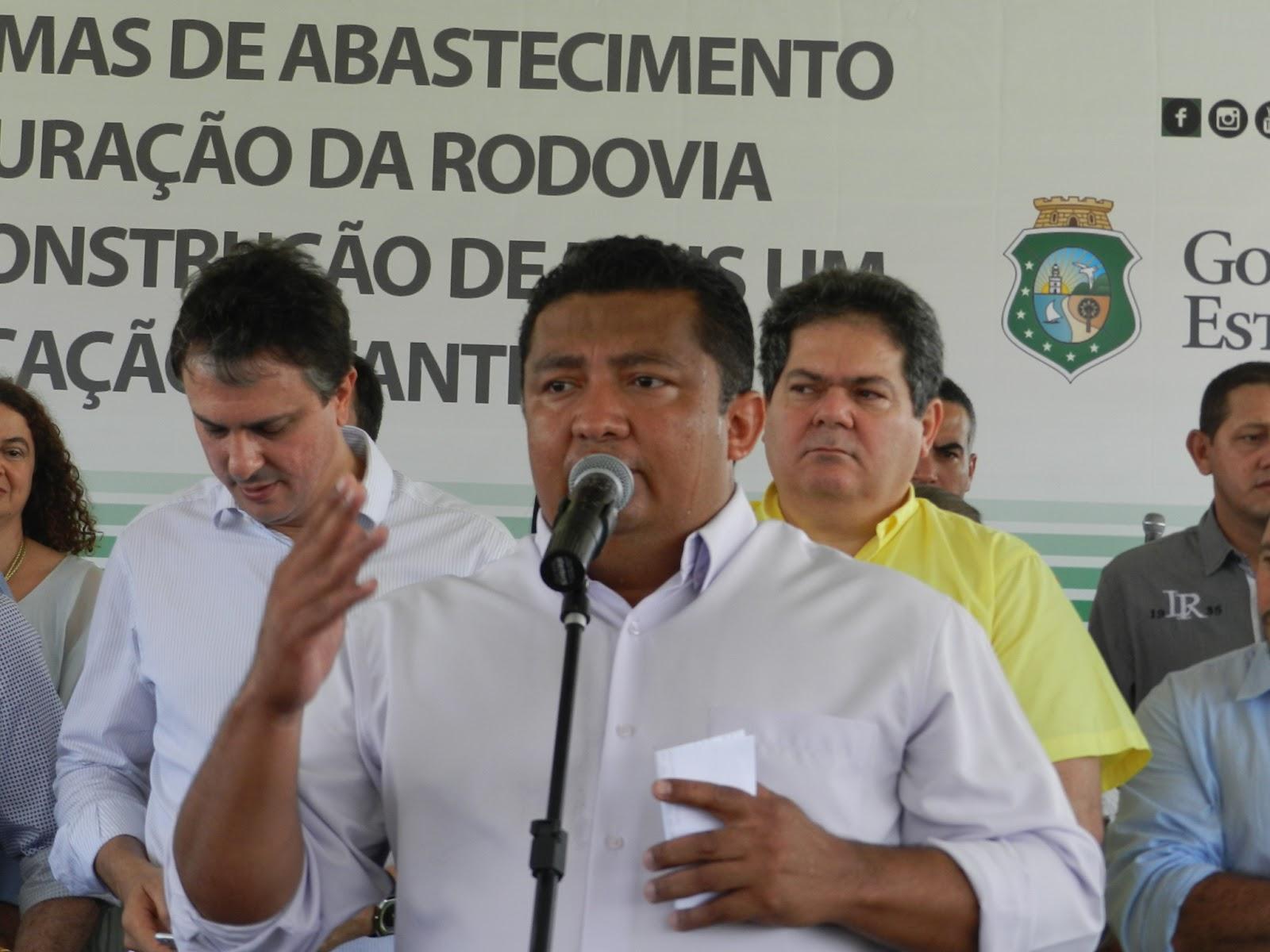 Resultado de imagem para prefeito de Salitre ROndilson
