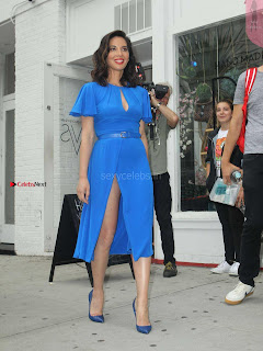 Olivia-Munn-at-Proactiv-Pop-Up-Experience-2+%7E+SexyCelebs.in+Exclusive.jpg