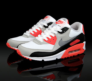 online store 9bbb5 cf393 I am writing a review on the Nike Air Max shoe. This has been a shoe I have  worn since I was in middle school and have had a great experience wearing  ...