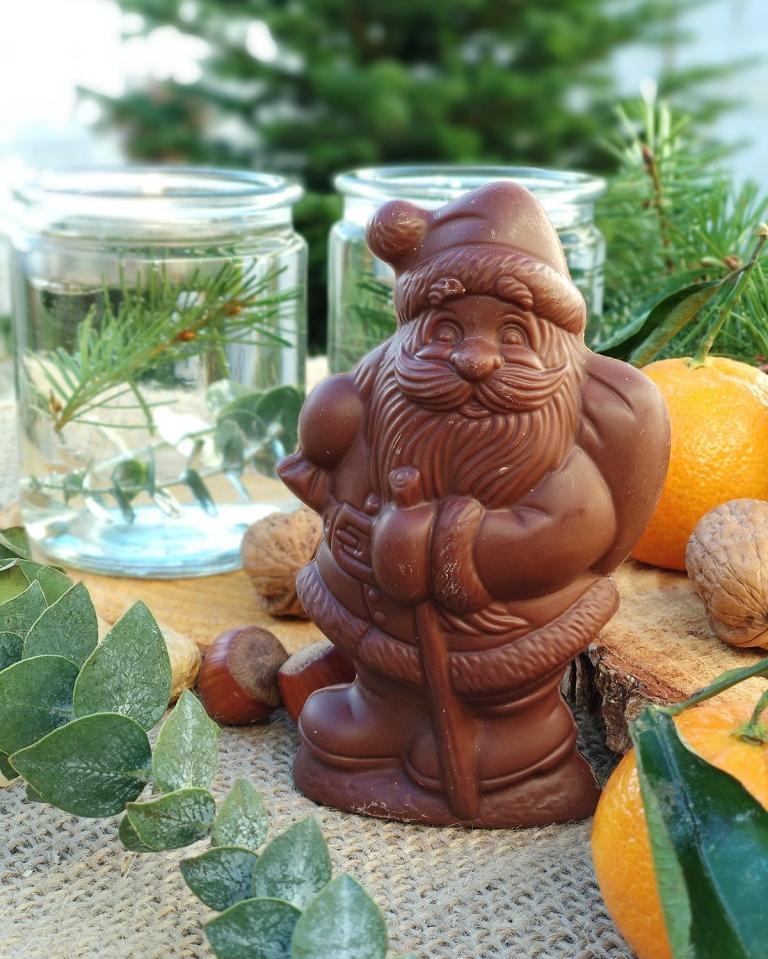Welcher vegane Schoko Weihnachtsmann schmeckt am besten? Der große Test. | Rosengarten Schoko Weihnachtsmann vegan | #milchfrei #laktosefrei #ohnemilch #zartbitter #edelbitter #dunkleschokolade #vegan #zuckerarm #fruktosearm | judetta.de