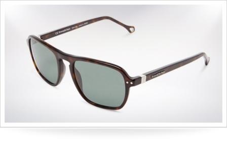7 Kacamata Gaya Pria Yang Paling Terkenal  5a47f16d17